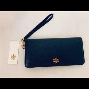 Tory Burch Black Leather Carter Wristlet Wallet